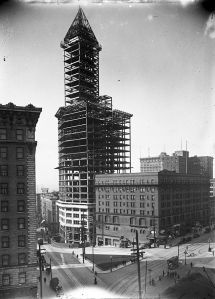 Smith Tower under construction, 1913