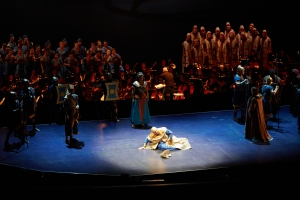 The cast and orchestra of Seattle Opera's Nabucco. © Philip Newton