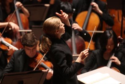 Karina_Canellakis_Conducts_Beethoven